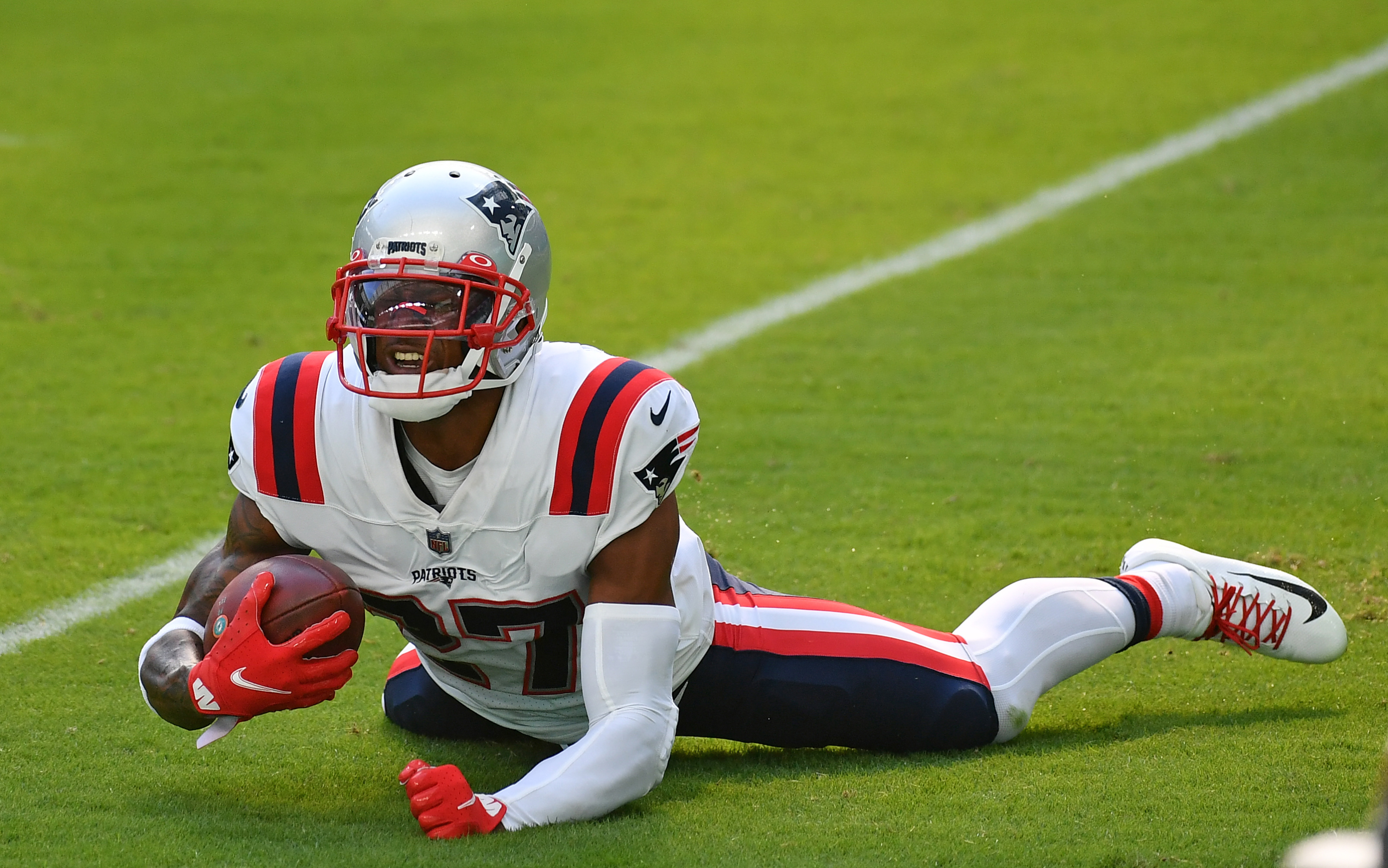 New England Patriots: Team is botching negotiations with J.C. Jackson